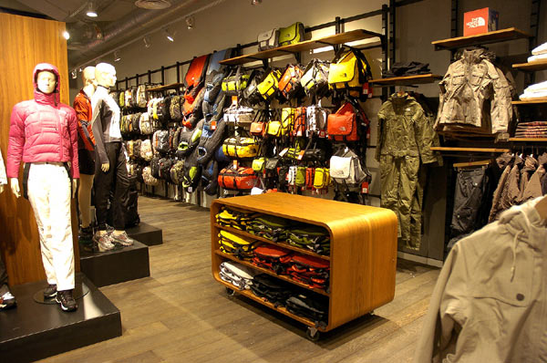 The North Face outlet store is easy to access by car from Coventry, Solihull and Birmingham; just off junction 6 of the M You'll find The North Face outlet just next to Kurt Geiger on the ground floor at Resorts World Birmingham.